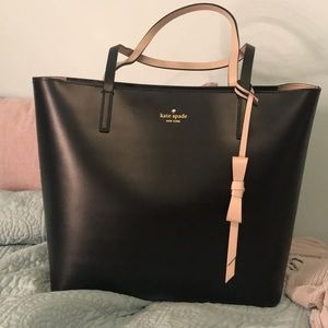 Brand new Kate Spade tote! It is a nice size